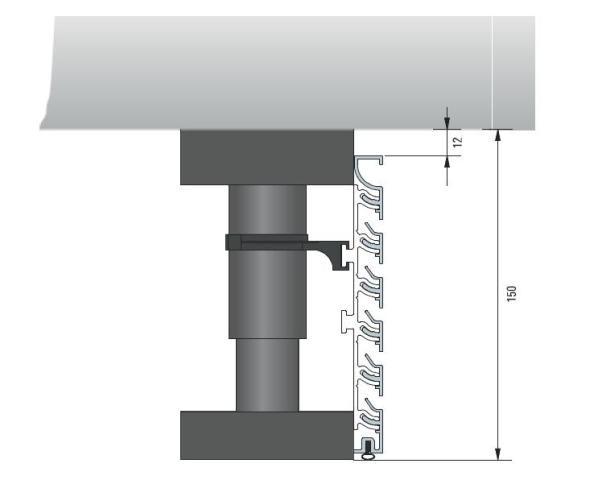 Sockelklemmaufnahme mit Montageklammer